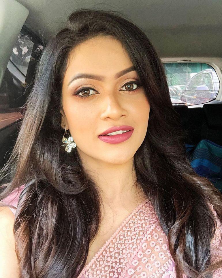 Chulakshi Ranathunga Wiki, Age, Biography, Movies, and 24+ Gorgeous Photos 107