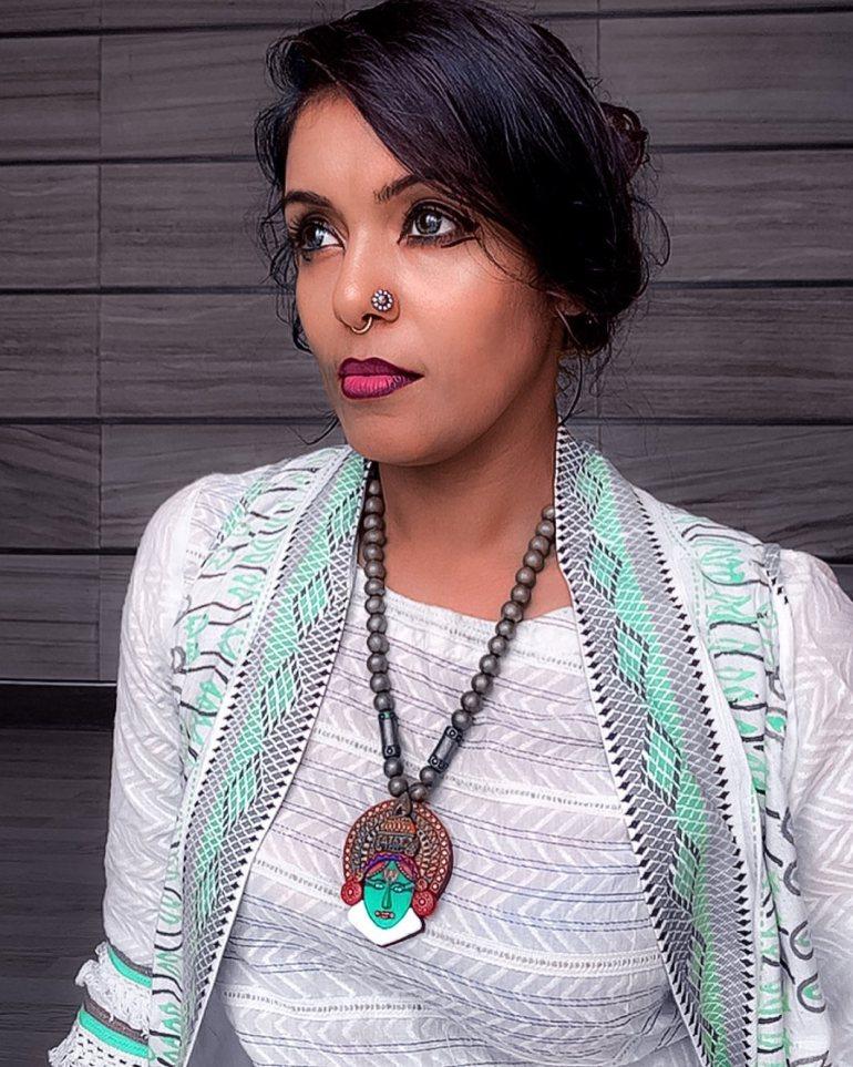 Sandhya Manoj (Malayalam Big Boss Contestant) Wiki, Age, Biography, and Beautiful Photos 116