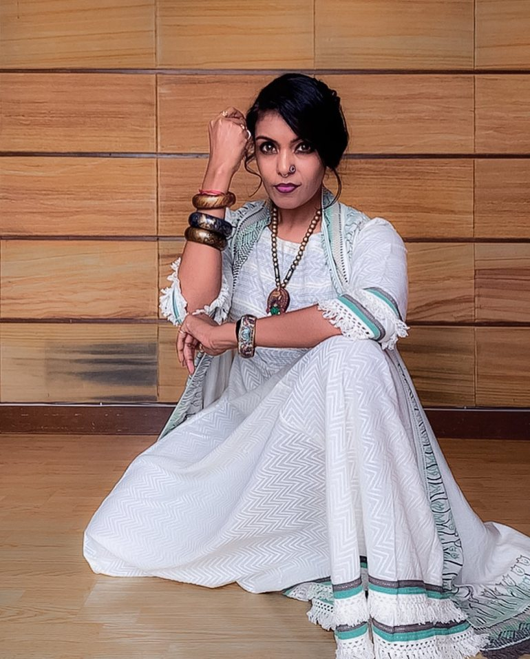 Sandhya Manoj (Malayalam Big Boss Contestant) Wiki, Age, Biography, and Beautiful Photos 115