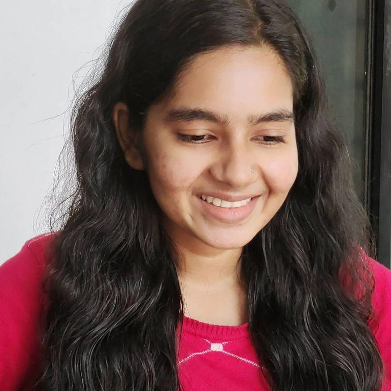 Lakshmi Unnikrishnan (Chakkapazham fame) Wiki, Age, Biography, Movies, and 33+ Beautiful Photos 126