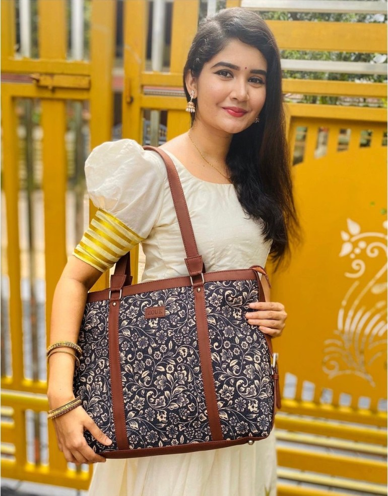 Aiswarya Unni Wiki, Age, Biography, Movies and Beautiful Photos 106