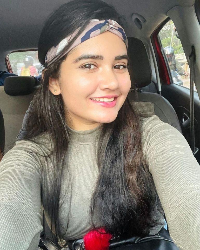 Aiswarya Unni Wiki, Age, Biography, Movies and Beautiful Photos 113