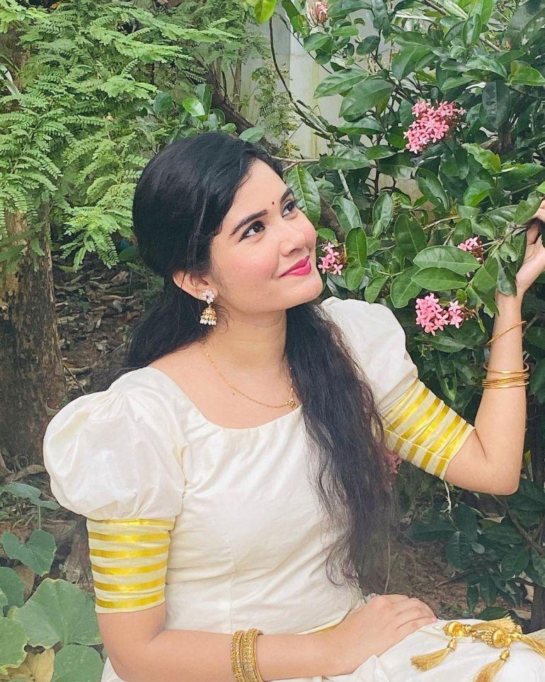Aiswarya Unni Wiki, Age, Biography, Movies and Beautiful Photos 103