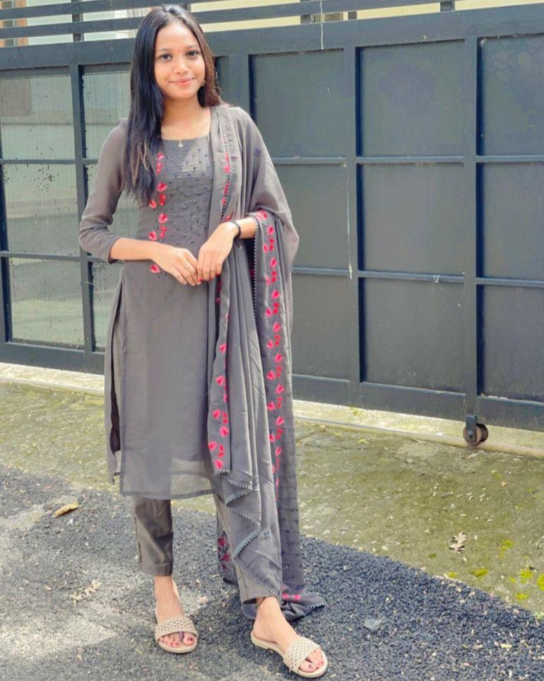 Amritha Shaji Wiki, Age, Biography, Net worth, and Beautiful Photos 113