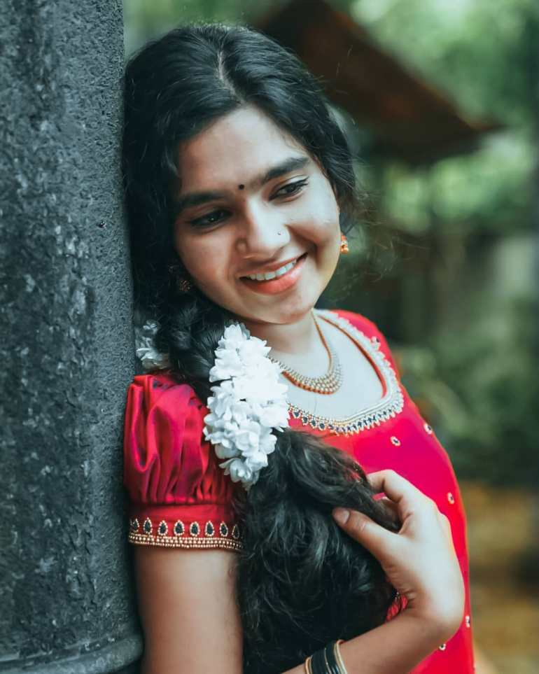 Lakshmi Unnikrishnan (Chakkapazham fame) Wiki, Age, Biography, Movies, and 33+ Beautiful Photos 99
