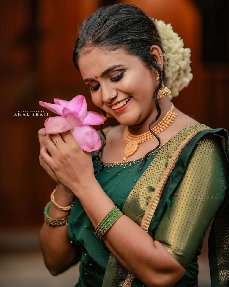 Aami Ashok Wiki, Age, Biography, Movies and Beautiful Photos 108