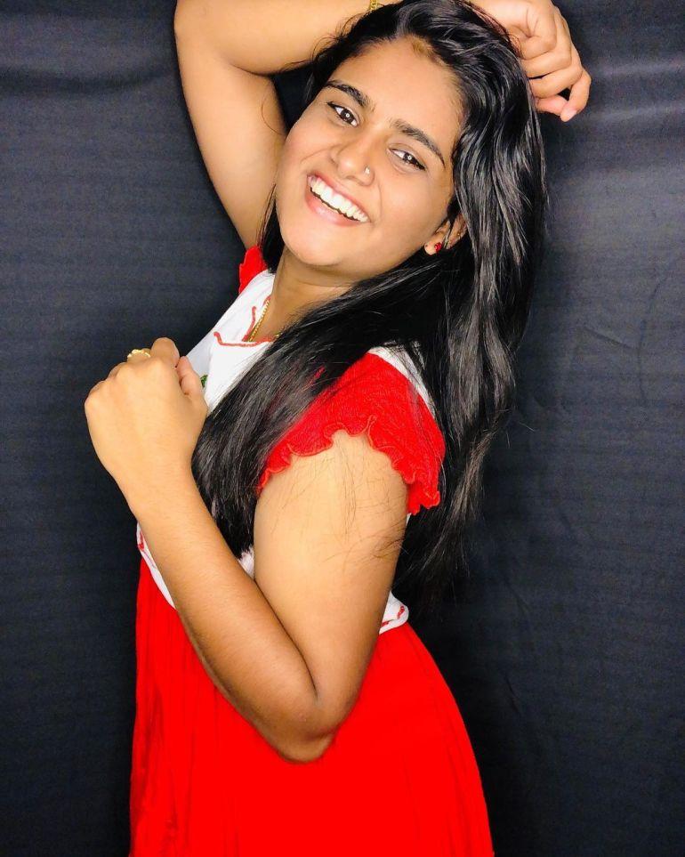 Aami Ashok Wiki, Age, Biography, Movies and Beautiful Photos 102