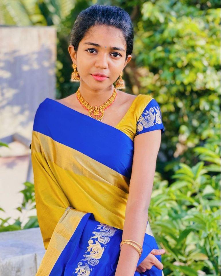 Amala Shaji Wiki, Age, Biography, Net worth, and Beautiful Photos 116