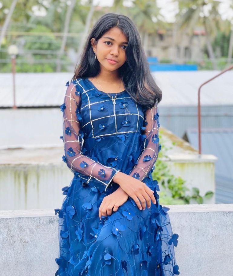 Amala Shaji Wiki, Age, Biography, Net worth, and Beautiful Photos 100