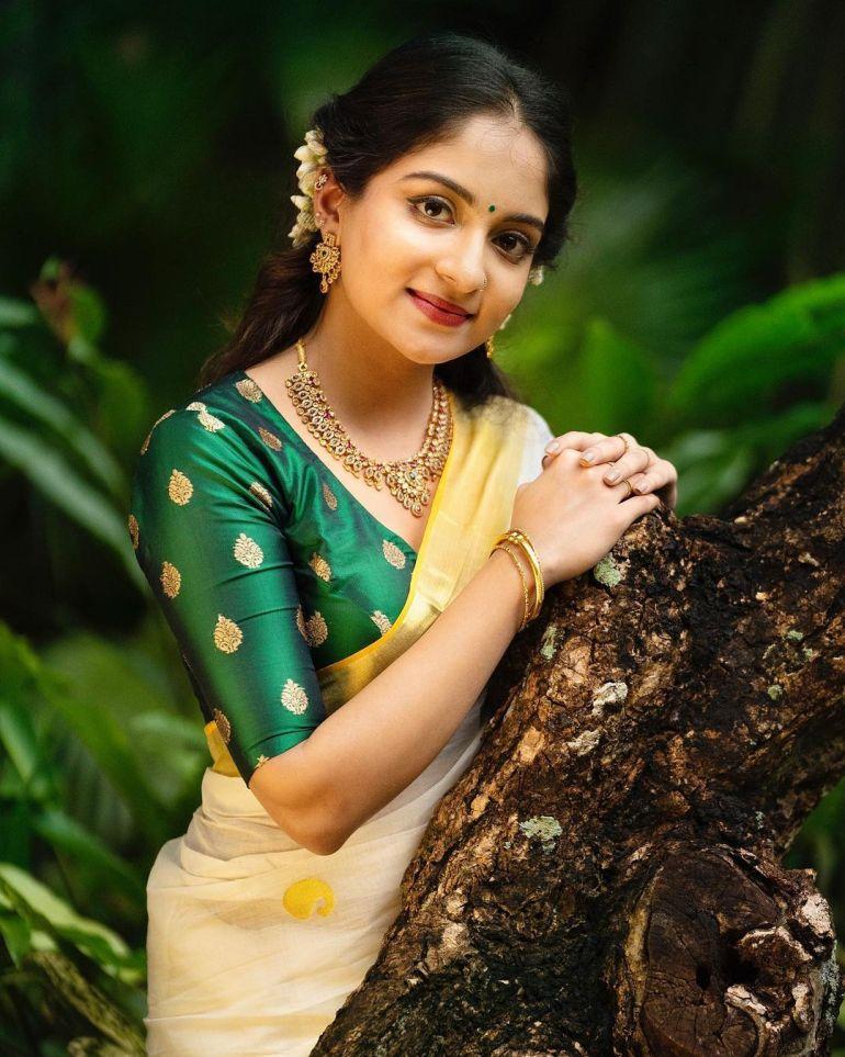 Ishaani Krishna Wiki, Age, Biography, Movies, and 18 + Beautiful Photos 114