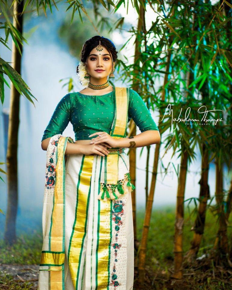 Jasnya Jayadeesh Wiki, Age, Biography, Net worth, and 18 + Beautiful Photos 115