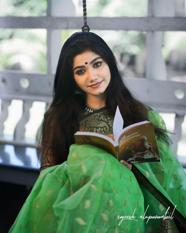 Jasnya Jayadeesh Wiki, Age, Biography, Net worth, and 18 + Beautiful Photos 106