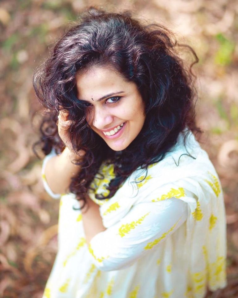 Nayana Variyath Wiki, Age, Biography, Net worth, and 18 + Beautiful Photos 100