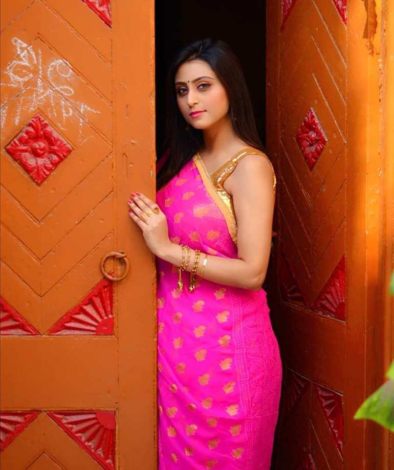 Bengali Model Priya Chakraborty Wiki, Age, Biography, Movies, and 36+ Beautiful Photos 123