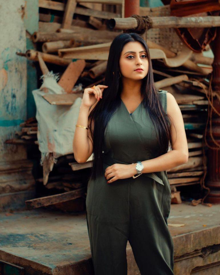 Bengali Model Priya Chakraborty Wiki, Age, Biography, Movies, and 36+ Beautiful Photos 124