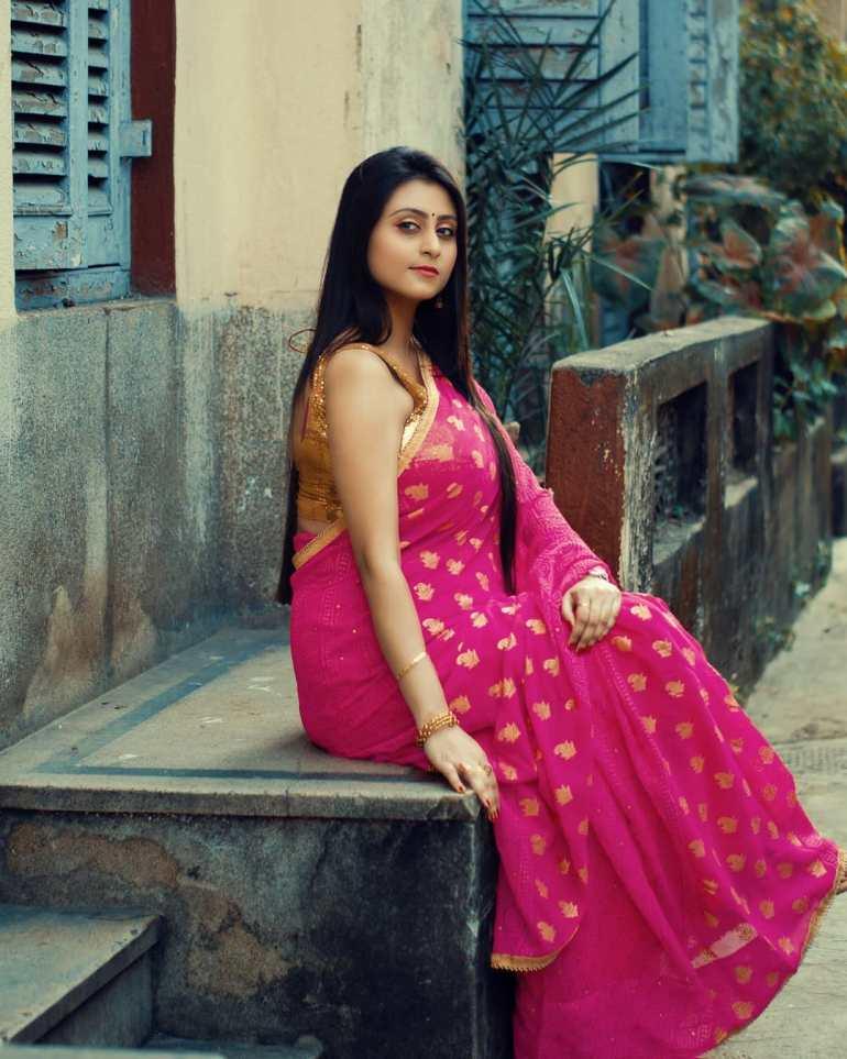 Bengali Model Priya Chakraborty Wiki, Age, Biography, Movies, and 36+ Beautiful Photos 125