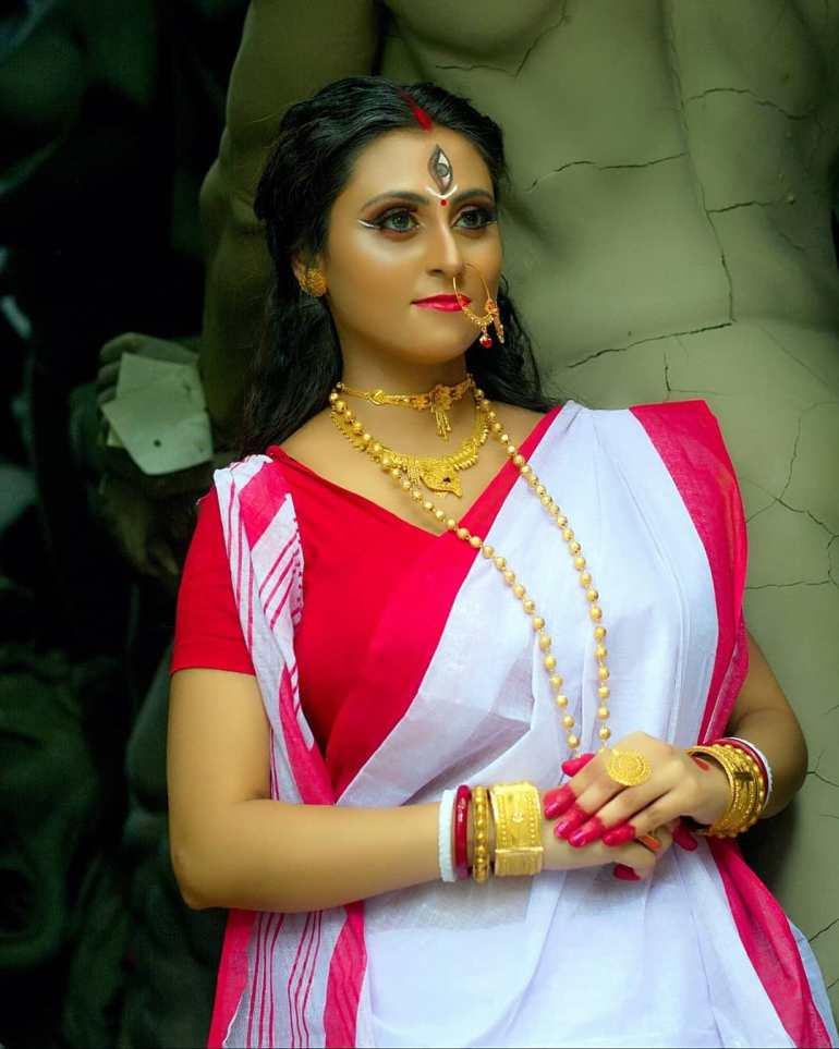 Bengali Model Priya Chakraborty Wiki, Age, Biography, Movies, and 36+ Beautiful Photos 127