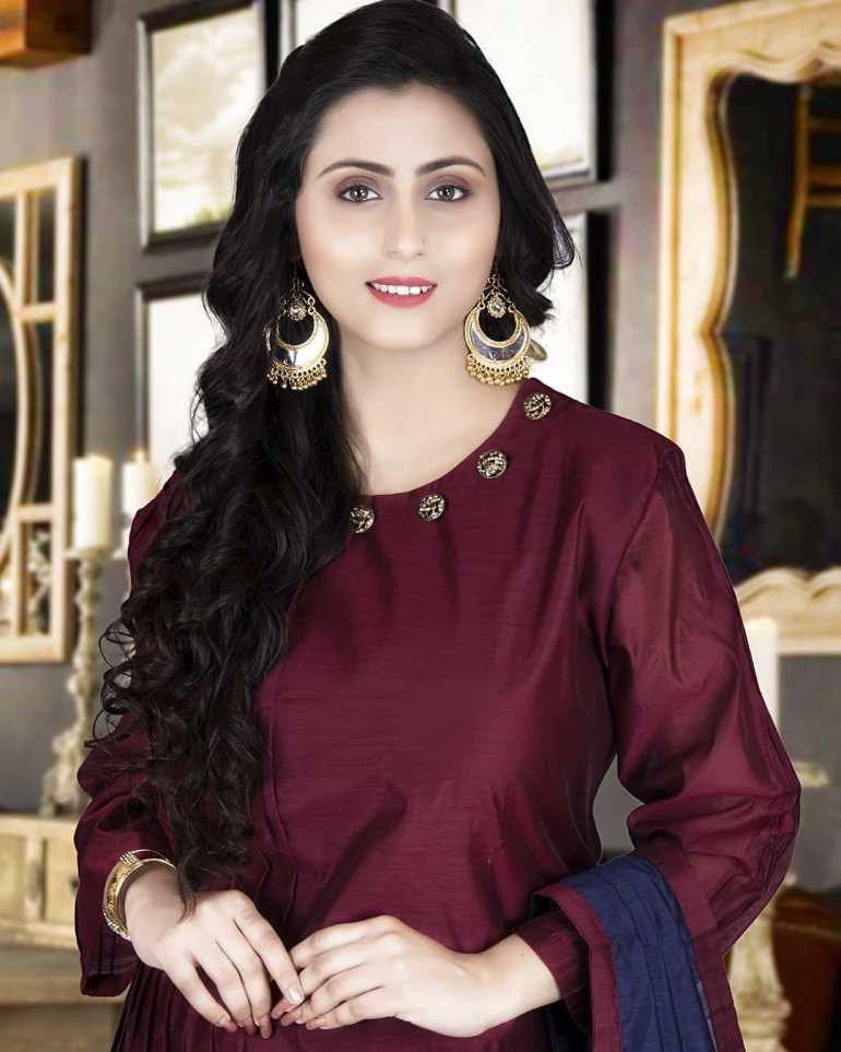 Bengali Model Priya Chakraborty Wiki, Age, Biography, Movies, and 36+ Beautiful Photos 131