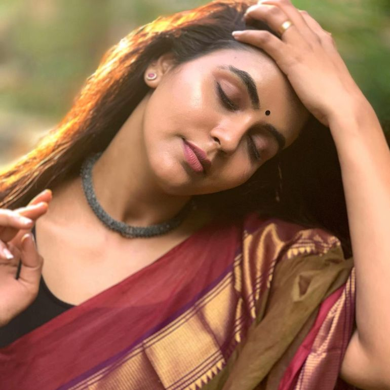 Chaitra Reddy Wiki, Age, Biography, Movies, and 24+ Beautiful Photos 116