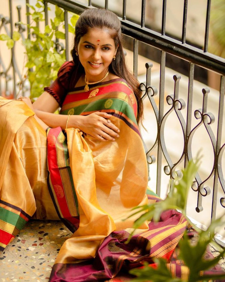 Chaitra Reddy Wiki, Age, Biography, Movies, and 24+ Beautiful Photos 120