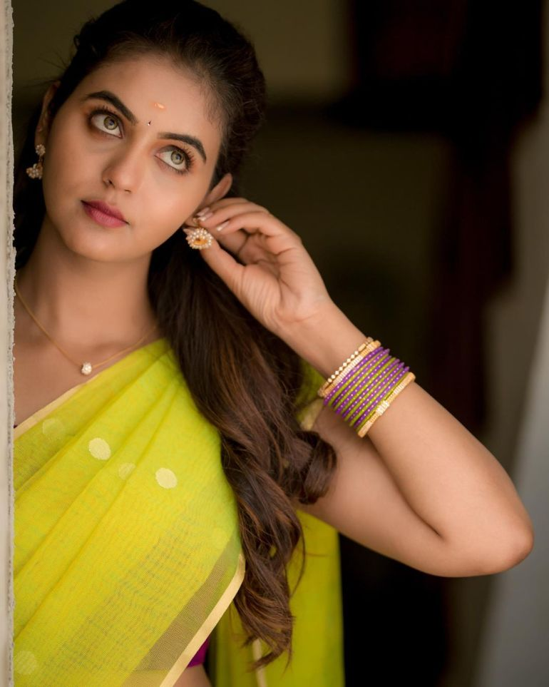 Chaitra Reddy Wiki, Age, Biography, Movies, and 24+ Beautiful Photos 122
