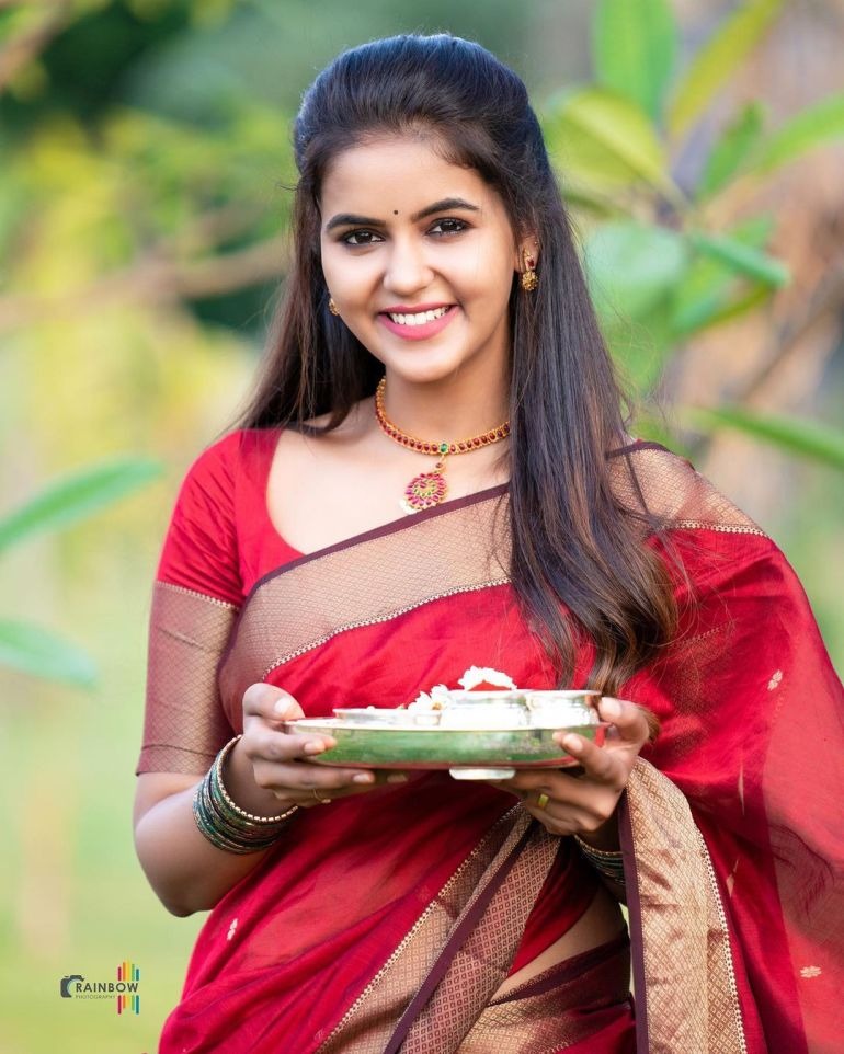 Chaitra Reddy Wiki, Age, Biography, Movies, and 24+ Beautiful Photos 111