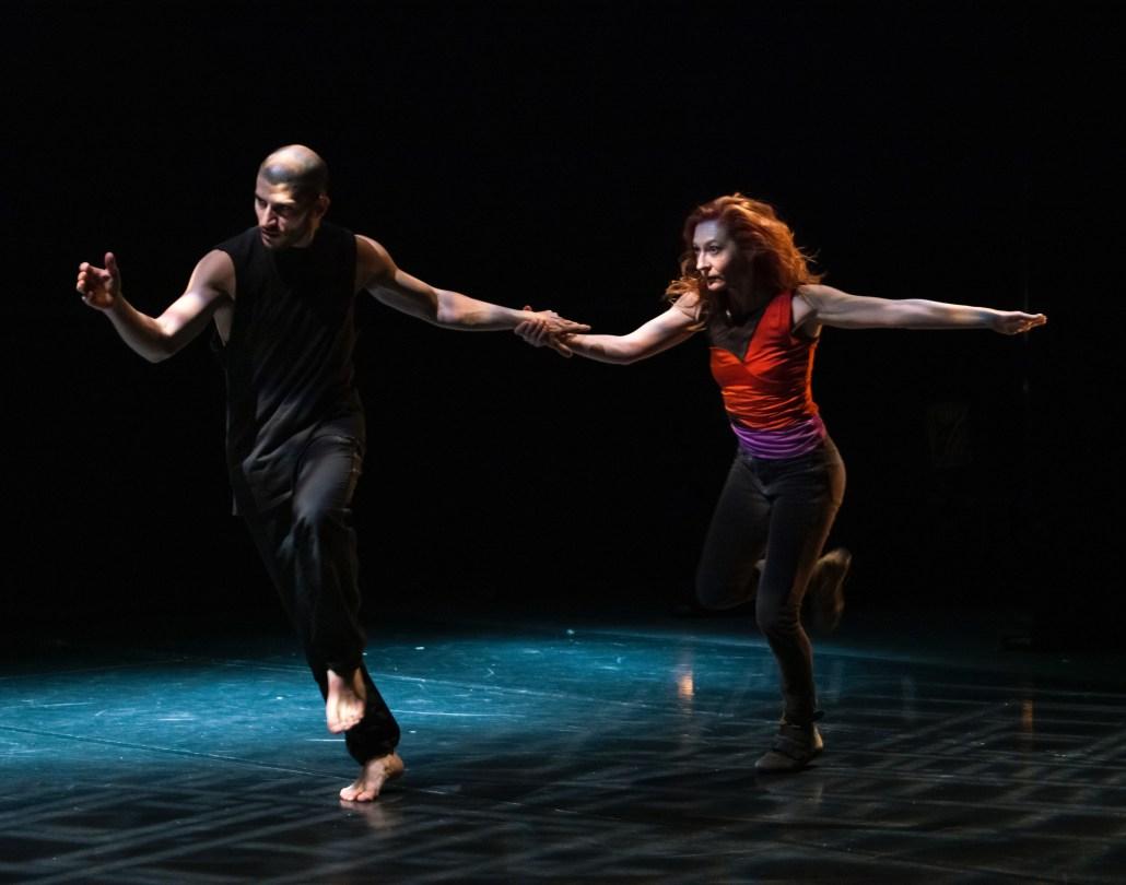 Gira Alicia Soto Hojarasca - Contemporary dance Company