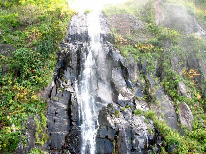 白銀の滝、オロロンライン、北海道の綺麗な景色