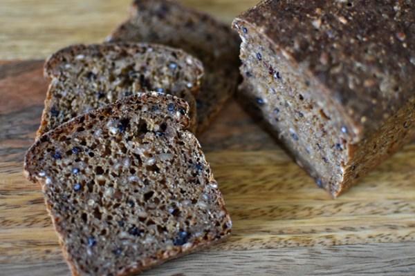 サワー種を使わないで作る、デンマーク風ライ麦パン Rugbrød