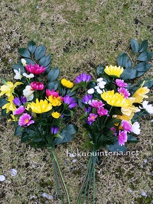 100均造花で仏花を作る