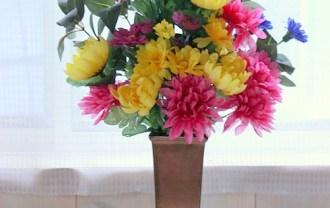 仏花をダイソーの100均造花で作った