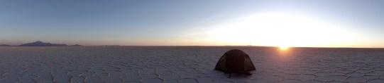 letzte Sonnenstrahlen, bald kommt der Wind! (Salar de Uyuni)