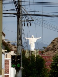 macht keine Siesta, wie die Kleinstadt Chilecito zu seinen Füssen