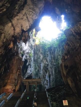 interior-cuevas-batu2