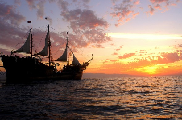 barco-pirata-puerto-vallarta