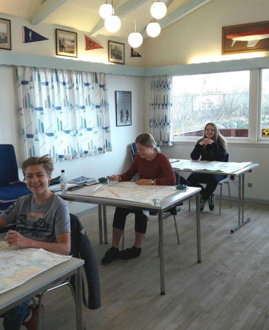 Unge kursister til duelighed i Holbæk Bådelaug