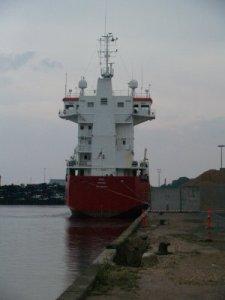 Det færøske skib, der beskadigede kajen sidste lørdag, er nu sejlet igen. Foto: Freelancefotografen.dk