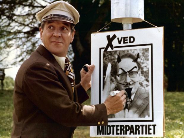 'Sjas (Axel Strøbye) går ind i lokalpolitik. PR Foto: TV2.