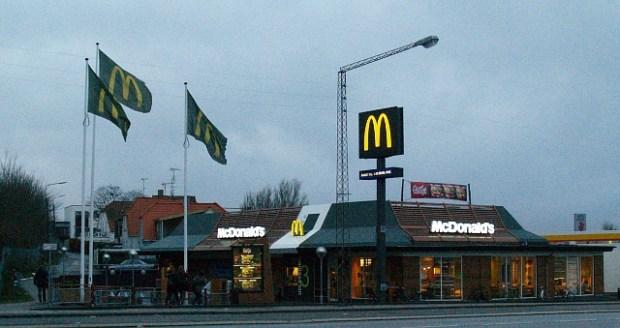 Gæsterne på McDonald's bliver nu opfordret til at stemme ved kommunalvalget. Foto: Rolf Larsen.