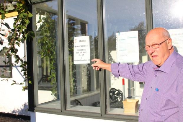 John Weygaard fra forsamlingshusets bestyrelse opfordrer alle orøbogere til at møde op i aften. Foto: Jesper von Staffeldt.