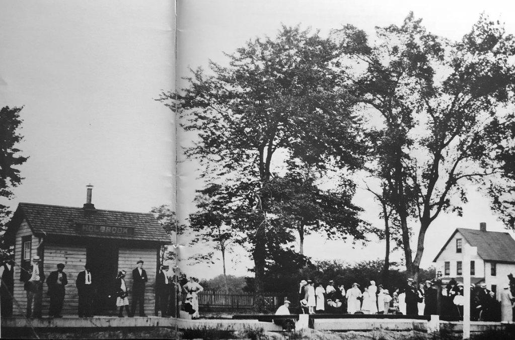 Holbrook NY Railroad Station - 1907