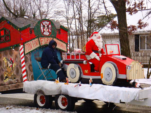 Holbrook Fire Department Santa Tour