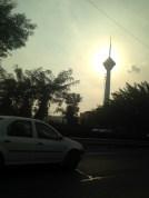Milad Turm am Tag