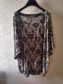 Another comfy dress/shirt. I love leggings so I pair them with everything. I think I really love the print on this.