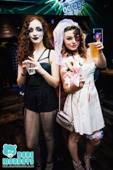 DIY Halloween Ideas zombie bride