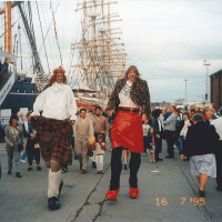 Hold Fast Entertainment Gigs - crowd at Oasis Tall Ships, Irvine Beach 1995