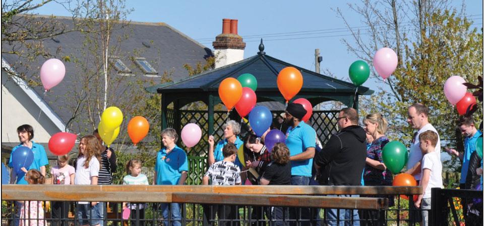 people-balloons