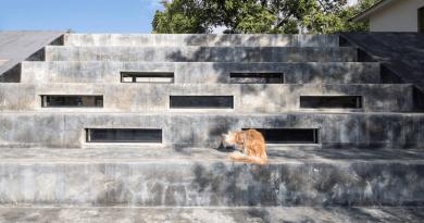 Kurvajó kis betonbunker