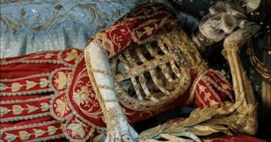 Díszes csontvázak