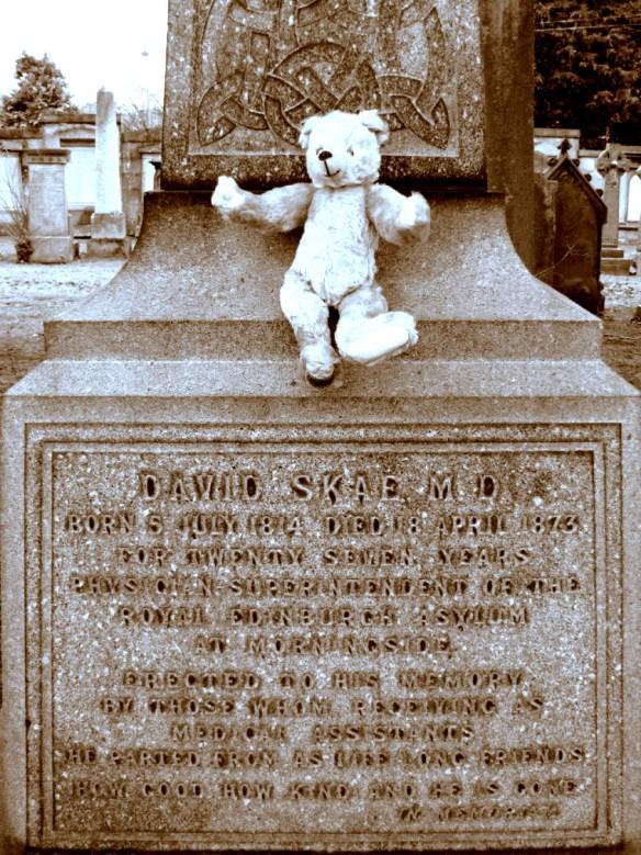 David-Skae-tombstone